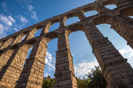 acueducto: Ancient roman aqueduct in Segovia, Castilla y Leon, Spain