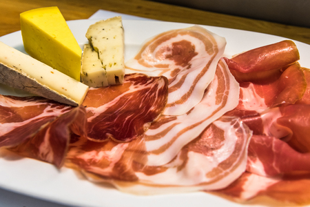 charcuter�a: junta charcuter�a gourmet, aperitivo estilo italiano