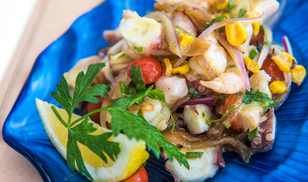 Delicious ceviche mixto mexican style, mixed seafood ceviche Imagens