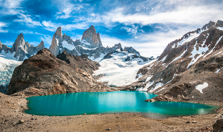 Fitz Roy mountain and Laguna de los Tres, Patagonia, Argentina Фото со стока - 89831871
