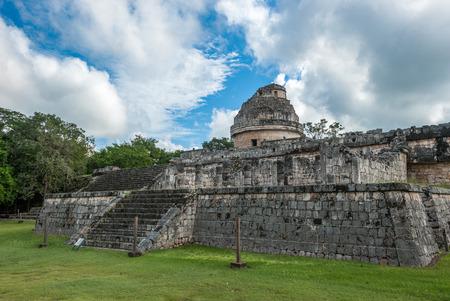 Mayan observatory El Caracol ruin at Chichen Itza, Yucatan, Mexico Stock Photo