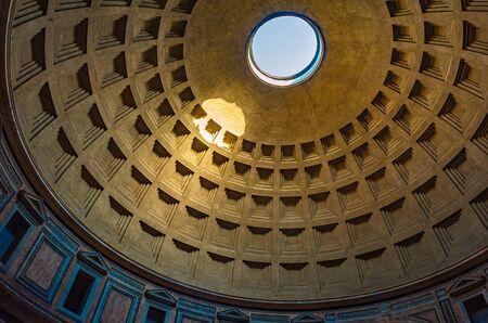 Cupola del Pantheon a Roma, Italia Archivio Fotografico