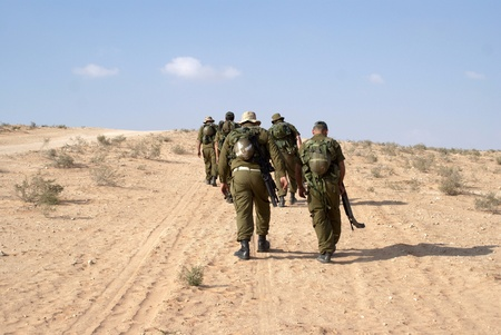 Israeli soldiers in Negev desert fighting terror