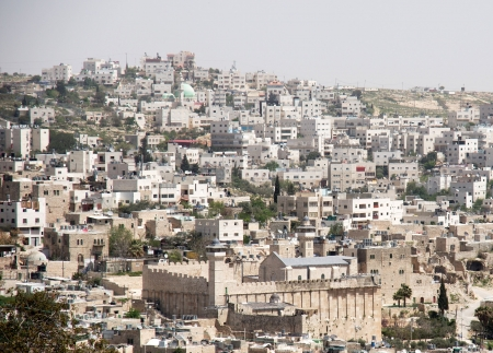 Hebron city diveded between jews and arabs
