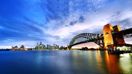 Sydney Harbor Panorama bij schemering Stockfoto