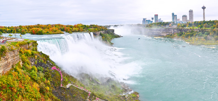 the edge of horseshoe falls: Panorama of Niagara Falls in autumn Stock Photo