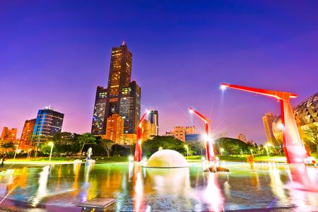 가오슝, 대만에서 공원의 밤 장면.