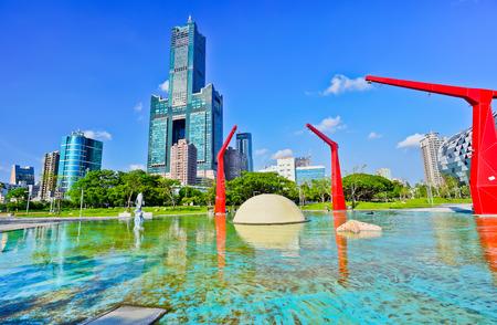 公園と 85 話高雄市の高雄 85 タワーの眺め。