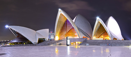 Sydney Opera House at night 免版税图像 - 46585667