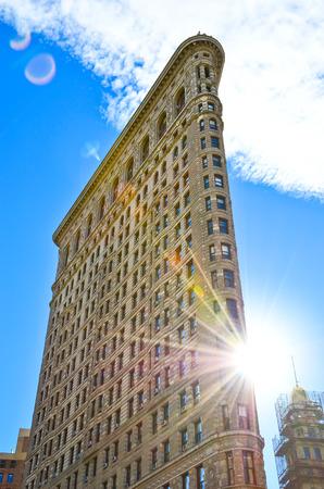 平らな鉄の建物ニューヨークのブロードウェイから