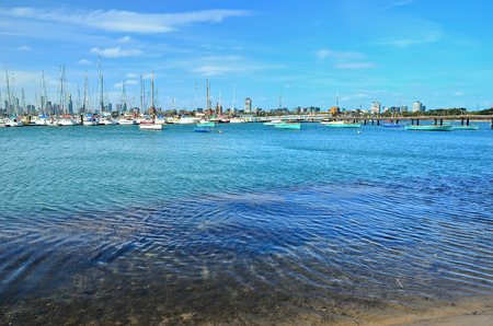 summer sport: View of St Kilda Beach in Melbourne, Australia.
