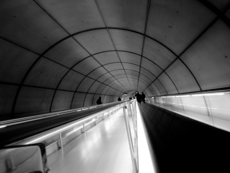 tunel: a tunnel to the subway