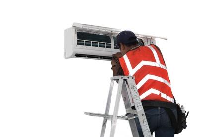 若い修理 minisplit ダクトレス空調システムの修正します。実際の状況