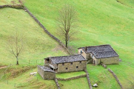 cantabria: Houses of the valley of the Pas, Cantabria (Spain)