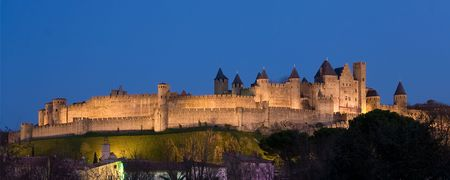 ufortyfikować: Panoramiczne ciemności Carcassonne (Francja)