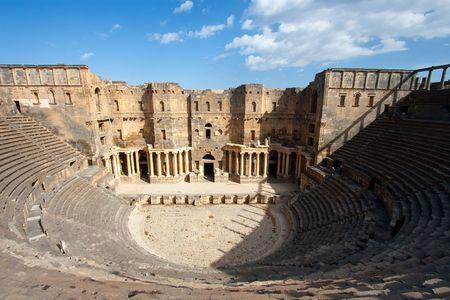 middle joint: Teatro di Bosra, Siria Archivio Fotografico