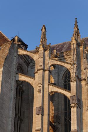 Schwibbogen in der Kathedrale von Beaubais, Oise, Picardie, Frankreich Editorial