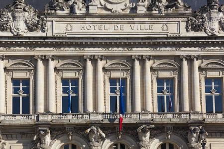 council: City council of Tours, Indre-et-Loire, France Editorial