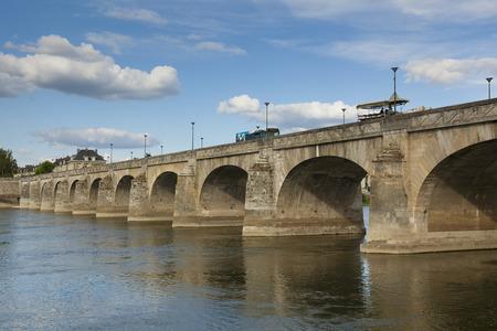 pays: Bridge of Saumur, Maine-et-Loire, Pays de la Loire, France Stock Photo