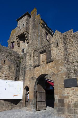 mont saint michel: Entrance to the Mont Saint Michel, Normandy, France