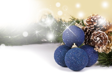 winter party: Sfondo decorativo di Natale con vuoto copyspace bianco