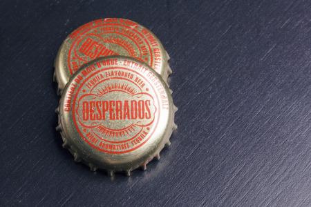 BILBAO, ESPAGNE - 11 OCTOBRE 2017. Bouchons de bouteilles de bière Desperados.