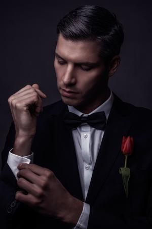 belleza masculina: masculino retrato de la belleza nost�lgica belleza Foto de archivo
