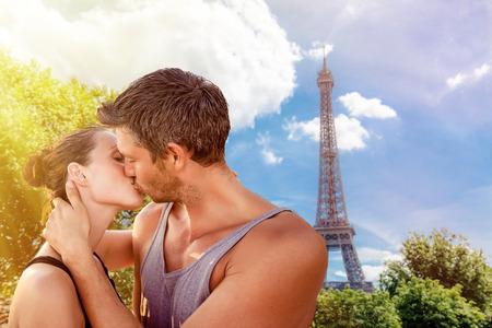 valentine days in france kissing lovers  Banco de Imagens