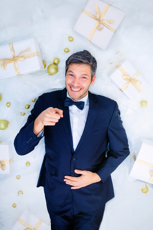 isolated man: man advertising good presents for you