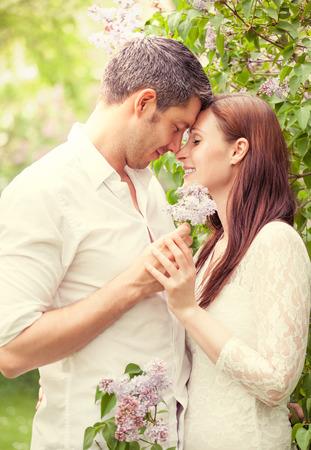parejas caminando: los pares del amor de la vendimia