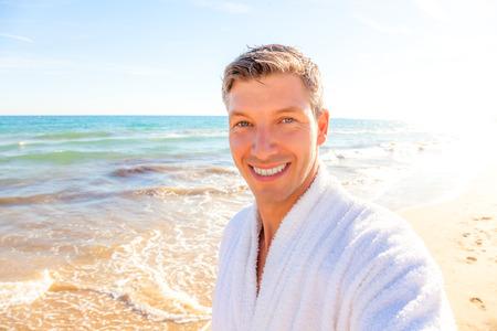 toweling: Selfie photo of weekend travel man