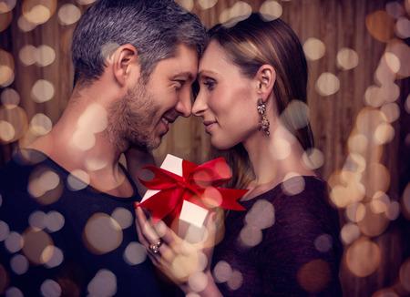 romance: bling do casal em 14 de fevereiro Banco de Imagens