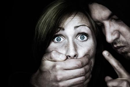 mujer golpeada: malo doler de una hembra
