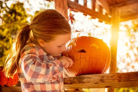 halloween pumkin girl