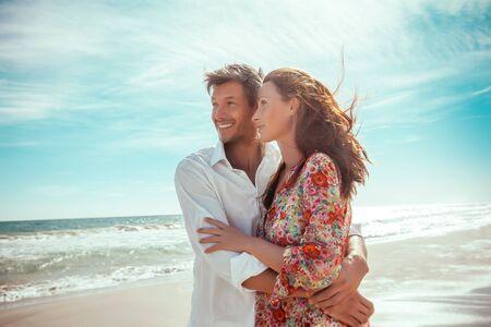 travel summer lofestyle couple on the beach