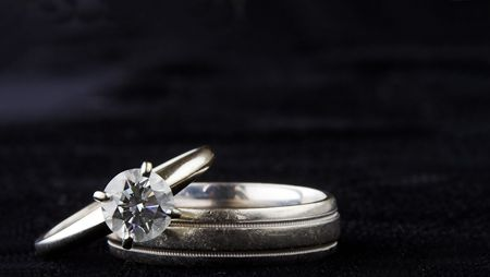 raytrace: wedding rings isolated on black