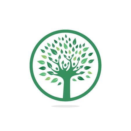 People logo tree logo vector design. Healthy person people tree eco and bio icon human character icon nature care symbol. Foto de archivo - 138187174