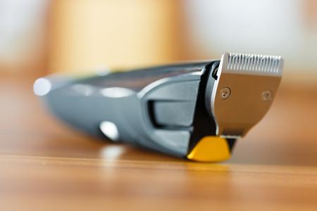 背景をぼかした写真のひげトリマー刃のマクロ撮影 写真素材