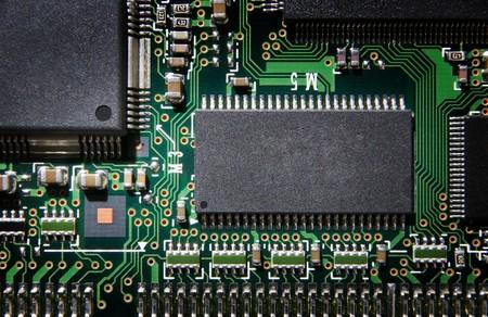close-up detail beeld van een printplaat van boven
