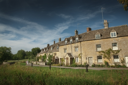 cotswold: View of cottages in Lower Slaughter, Cotswold, England
