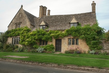 Rural stone cottage in the Cotswold, England