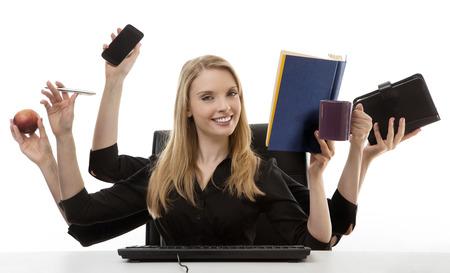 drukke zakelijke vrouw multitasking in het kantoor met zes armen