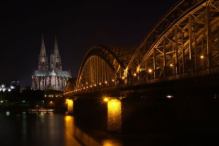 Picture of the cathedrale of cologne by night photo