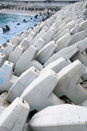 breakwater: Estructura del rompeolas en el puerto Foto de archivo