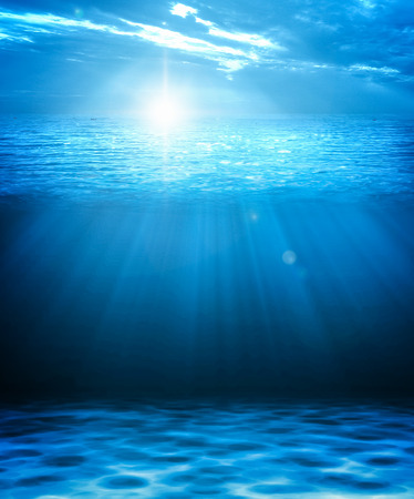 Blue deep water and sea abstract natural background. Imagens - 85433699