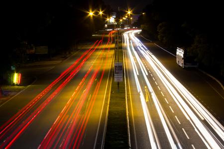 KAJANG, MALAYSIA - DECEMBER 13, 2017: Timelapse of traffic in Highway Lekas located in Saujana Impian, Selangor 에디토리얼