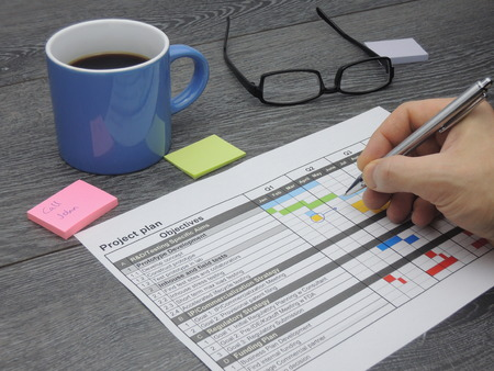 gantt: Inspecting and updating the project plan Stock Photo