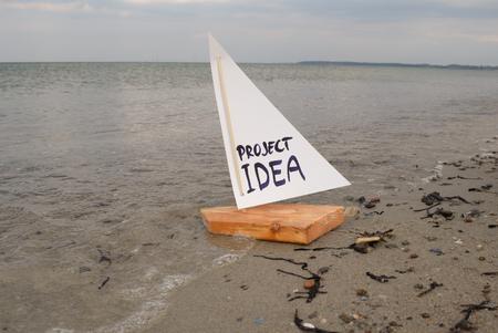 Abstracte illustratie van het lanceren van een project idee of het voorstellen van een project.