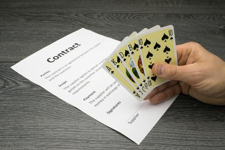 Conceptuele of abstracte afbeelding van het krijgen of het winnen van het contract, met een sterke positie of een voordeel in de onderhandelingen