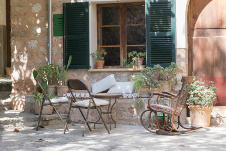 cosy: Cosy corner in Fornalutx, MallorcaMajorca, Spain Stock Photo